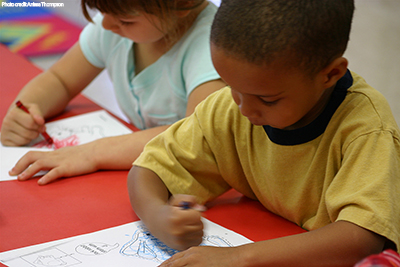 picture of preschool students drawing